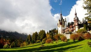 Tur de o zi la Palatul Peles si Castelul Bran