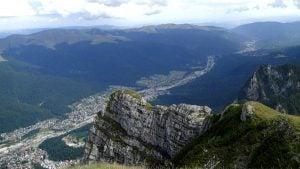 Imagine cu muntii Bucegi viziteaza Valea Prahovei - excursie de o zi